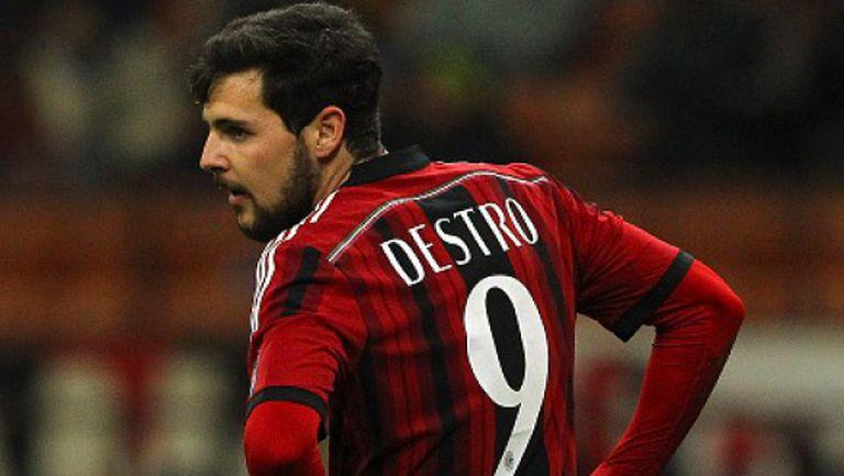 Милан връща Дестро на Рома