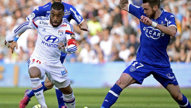 Лион се върна на върха в Лига 1 (видео)