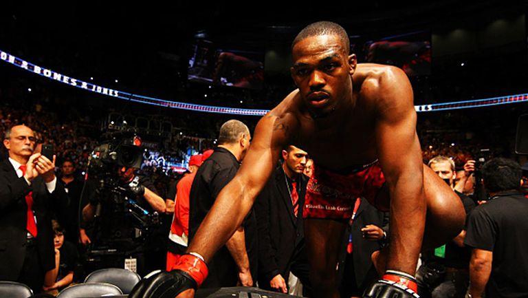 Защо шампионът в полу-тежката категория на UFC – Джон Джоунс е все още бял колан по Бразилско Джу Джицу