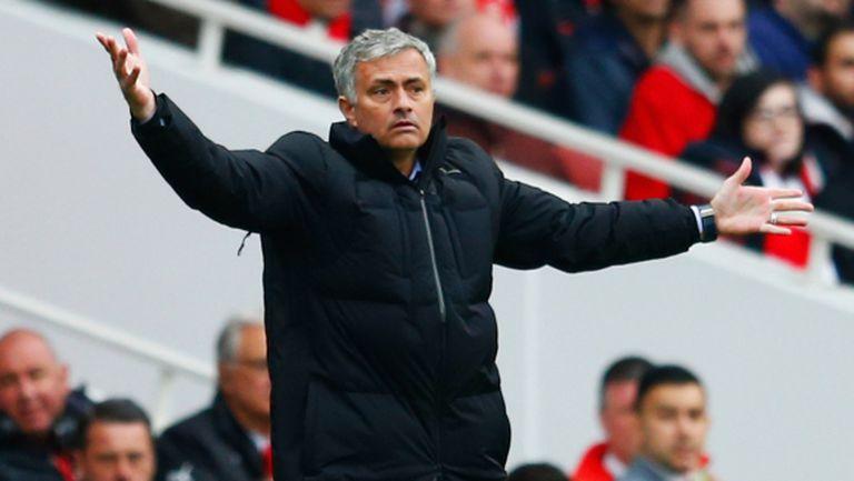 Специалния изригна: Челси скучен? Не, Арсенал е скучен с 10 години без титла!