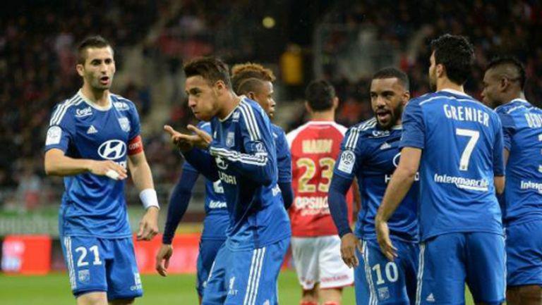 Лион измести ПСЖ от върха в Лига 1