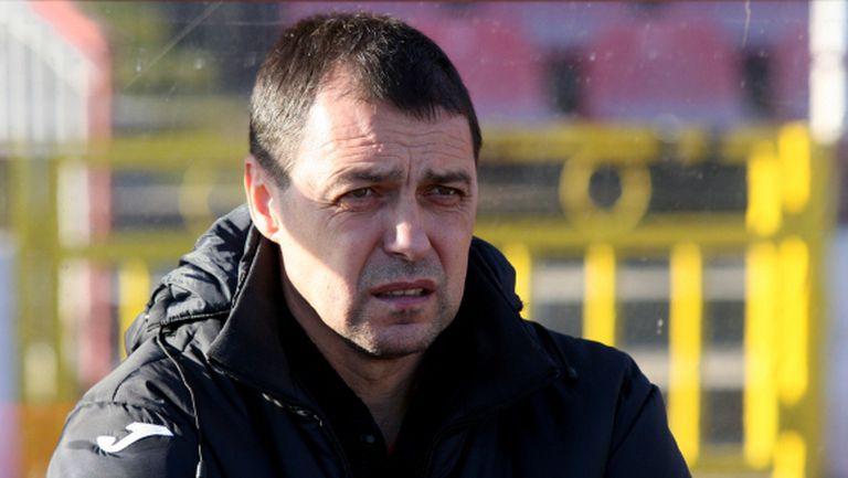 Наказаха Петър Хубчев за един мач
