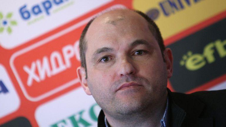 Шеф в ЦСКА разкри, че Любо Пенев е поел ЦСКА срещу символична сума (видео)