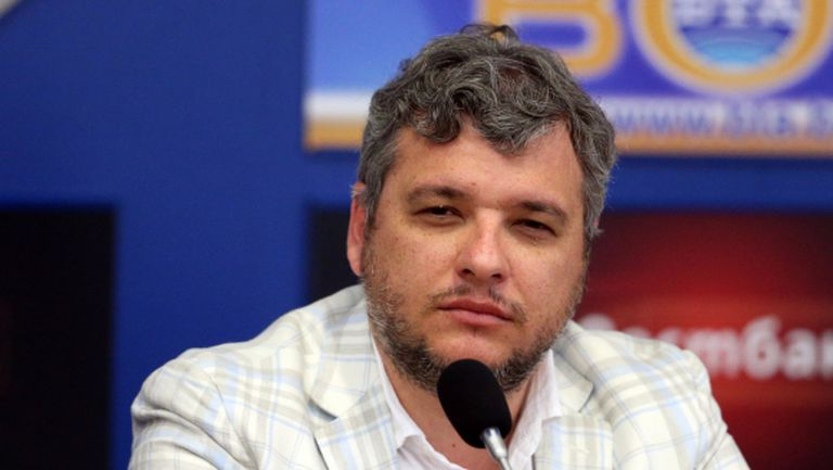 Манджуков спешно при шеф на УЕФА