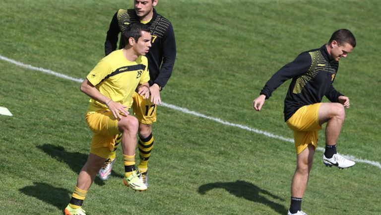 Ботев (Пд) тренира по един път на ден до мача с Берое
