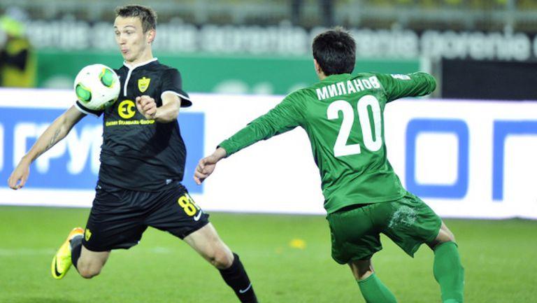 Живко Миланов ще играе плейофи за влизане в елита, Карачанаков се спаси от изпадане (видео)