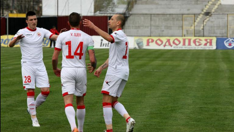 Капитанът на ЦСКА с нова контузия в коляното (видео)