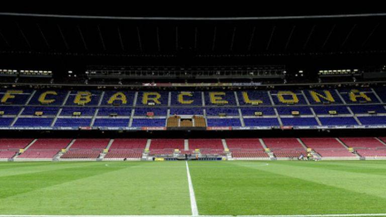 ФИФА отмени забраната за трансфери на Барселона