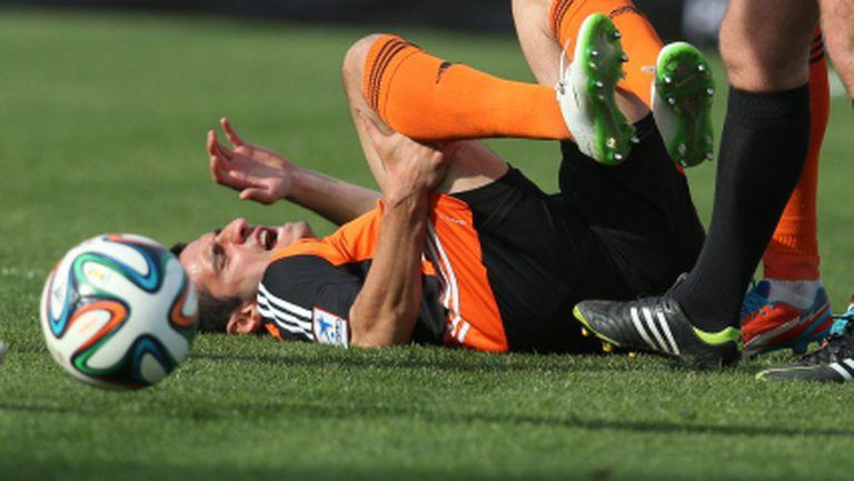 """Рефер """"реже"""" Том, не отсъжда чиста дузпа за фаул срещу Живко Миланов"""
