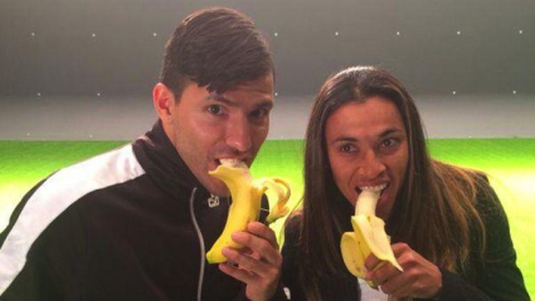"""""""Банана"""" кампания под надслов """"Всички сме маймуни"""" (галерия)"""