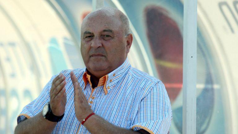 Венци Стефанов: Трябва да се закрият фен-клубовете в България