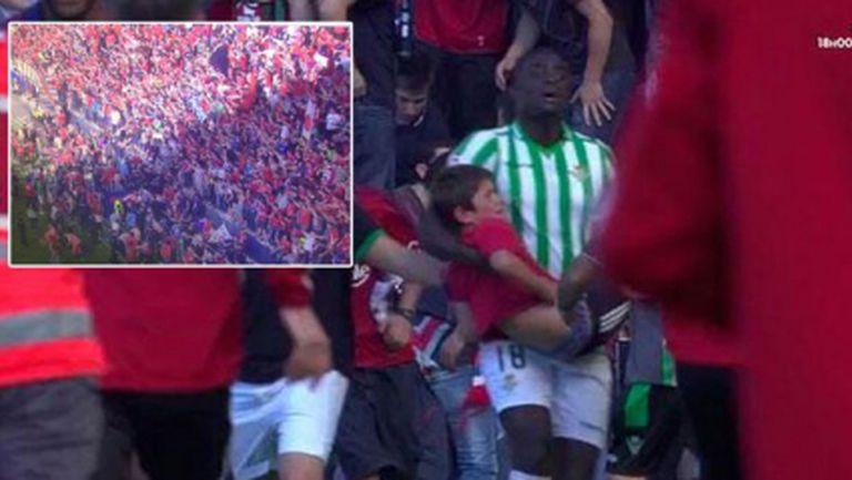 Вижте как футболист спасява дете при инцидента в Памплона (видео)