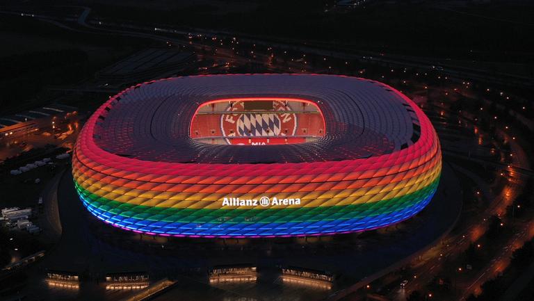 """УЕФА забрани """"Алианц Арена"""" да свети в цветовете на дъгата"""