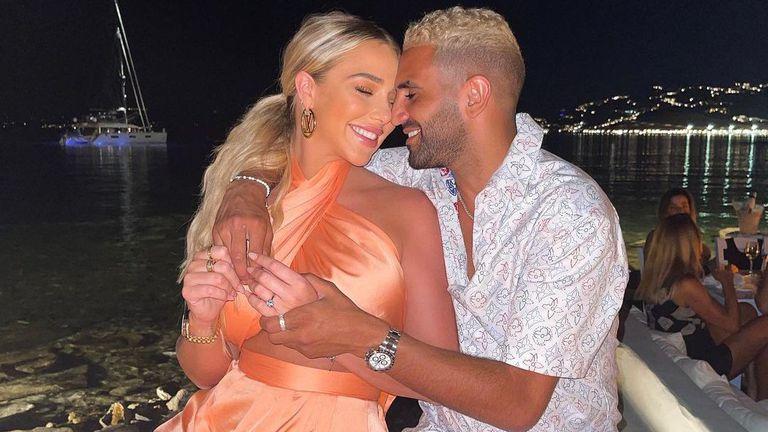 Футболна звезда предложи брак на ослепителна блондинка с пръстен за 470 000 евро