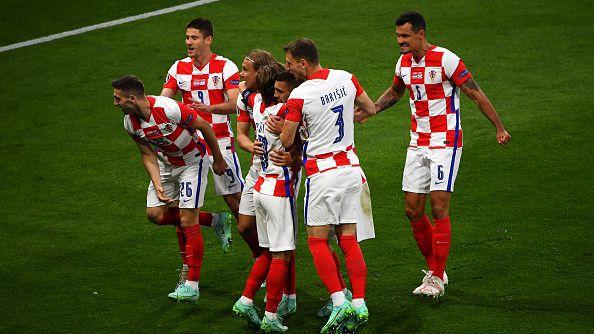 Перишич потопи шотландските мечти и прати Хърватия напред след 3:1