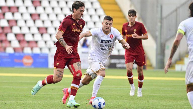 Рома и Моуриньо продължават с победите в контролите