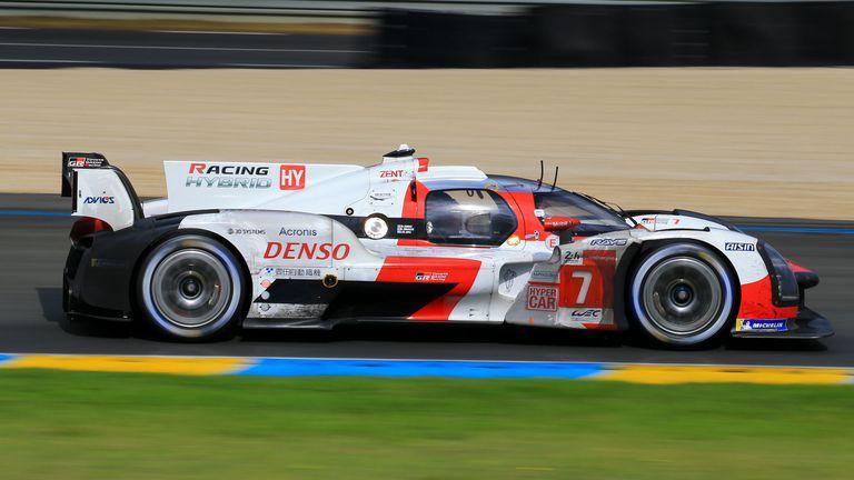 """Toyota с комфортна 4-та поредна победа в """"24-те часа на Льо Ман"""""""