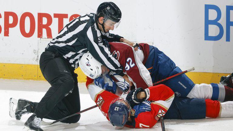 Бобровски с победа №300 в НХЛ, Пантерите остават непобедени
