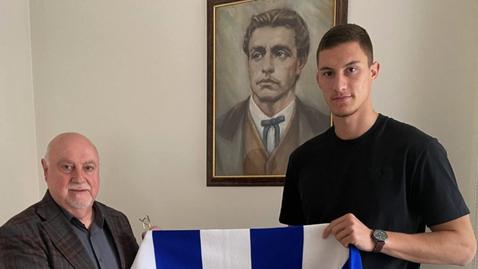 Официално: Андриан Краев подписа нов договор с Левски