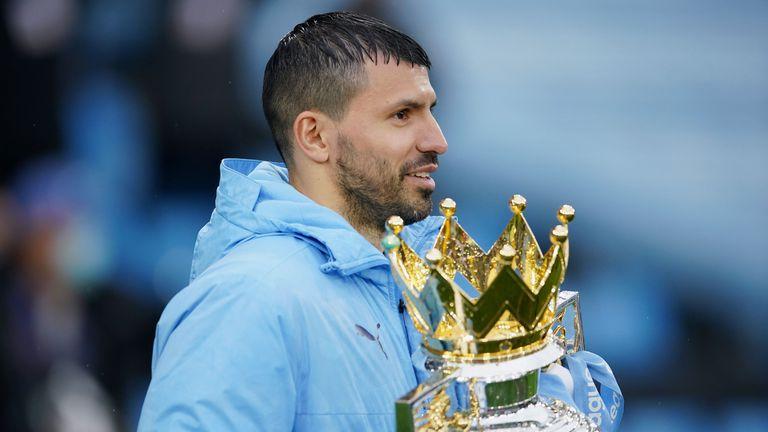 Награждаване на Манчестър Сити за шампион на Англия