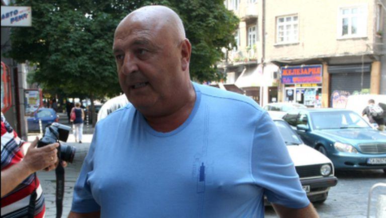 Венци Стефанов: Подиграват се с Наско Сираков