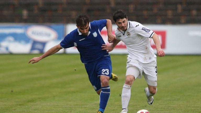 Още един основен футболист се раздели със Славия