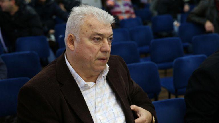 Коко Динев дава Локо (Пд) на Христо Бонев в петък