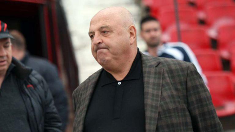 Трансферът на Велков във Фулъм провален от враг на Лацио