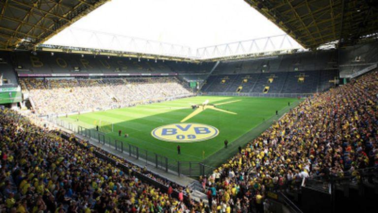 Над 30 хиляди приветстваха Борусия (Дортмунд) при представянето на отбора (видео)