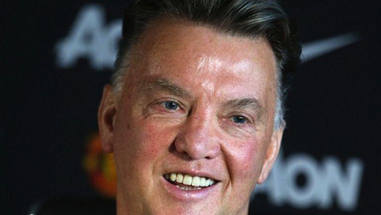 Ван Гаал увери, че не е нервен преди дебюта и обясни за Рууни, Шоу и контузиите
