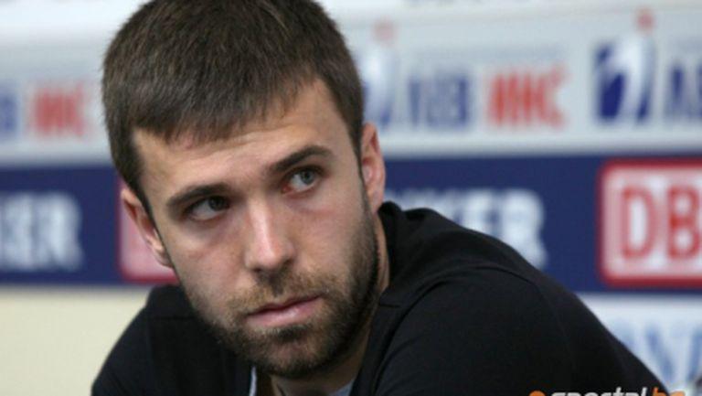 Мирослав Антонов поднови днес тренировки, Александър Киров се контузи
