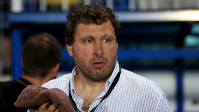 Вили Вуцов: Който и от футболистите да бутна на сън, трябва да е готов за дербито