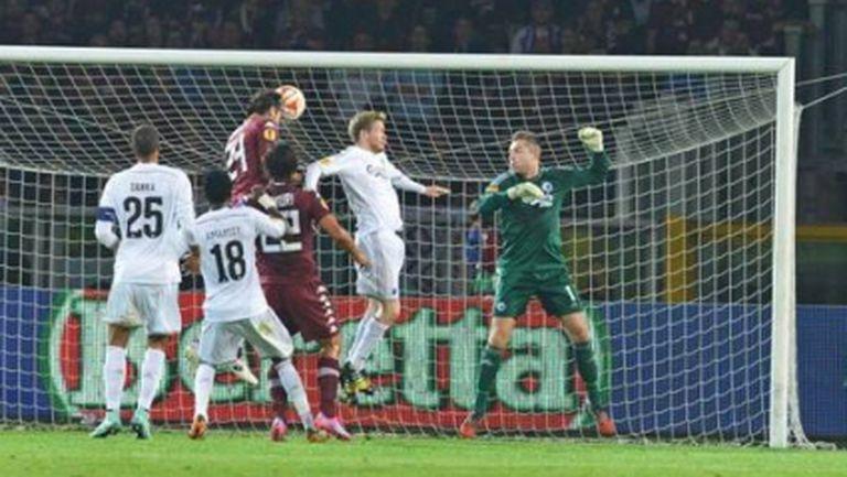Дузпа в последния момент зарадва Торино (видео)