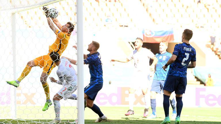 Словакия 0:5 Испания, втори автогол в мача
