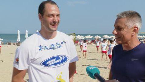 Радо Стойчев и Матей Казийски обучават близо 200 деца край Варна