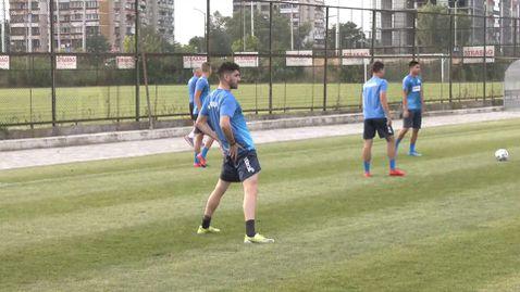 Кипърският защитник Шелис тренира с Левски преди мача със Славия