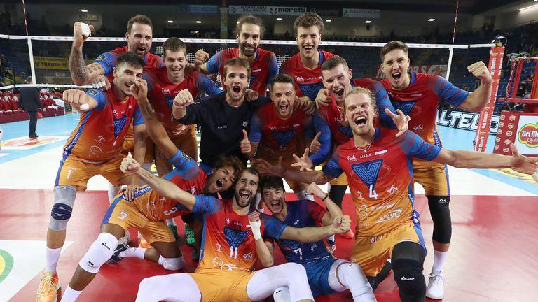 Алекс Грозданов и Монца шокираха шампиона Лубе и са на финал за Суперкупата на Италия