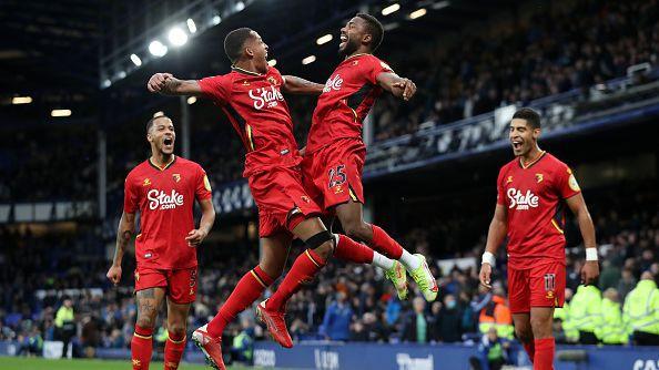 Уотфорд вкара четири гола за по-малко от 15 минути на Евертън за крайното 2:5