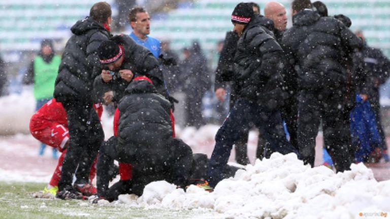 Левски в стрес от мач извън София - сините взимат мерки срещу медицинското на Стойчо