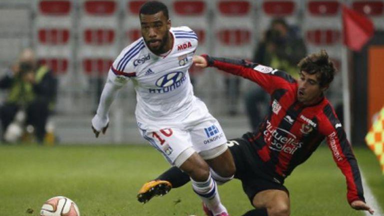 Лион продължава мощно в Лига 1