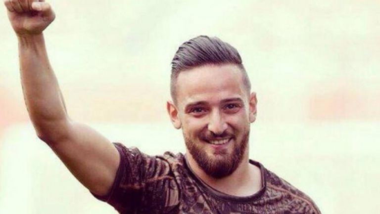 Футболист избяга от Турция заради побой след коментари за Ислямска държава