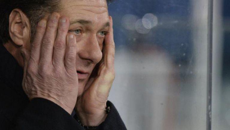 Четирима играчи на Интер плачат с Мадзари при раздялата им