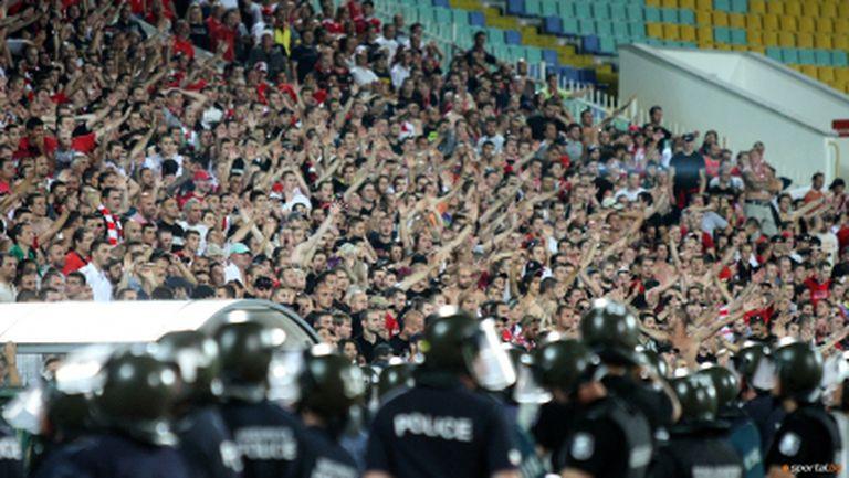 """""""Армейците"""" вдигат на крак полицията в Дупница"""