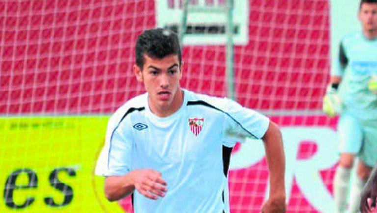 Куро Санчес напира за първия отбор на Севиля