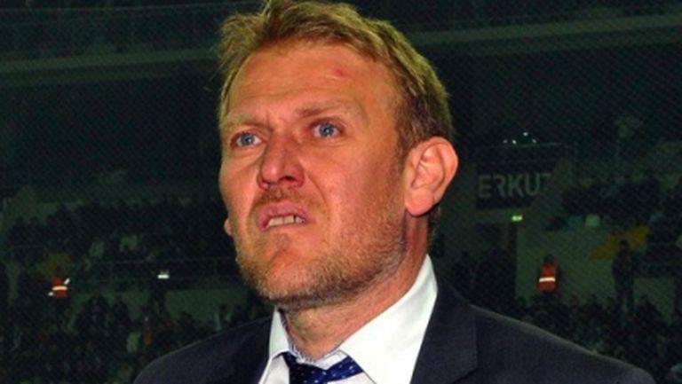 Треньорът на Динамо (З) е заложен на дузпата, феновете искат Просинечки