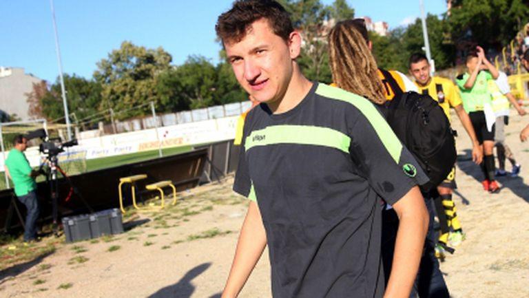 Тодор Неделев поднови тренировки на терен