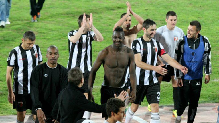 Сашо Станков взе 20 футболисти в групата за мача с Нефтохимик