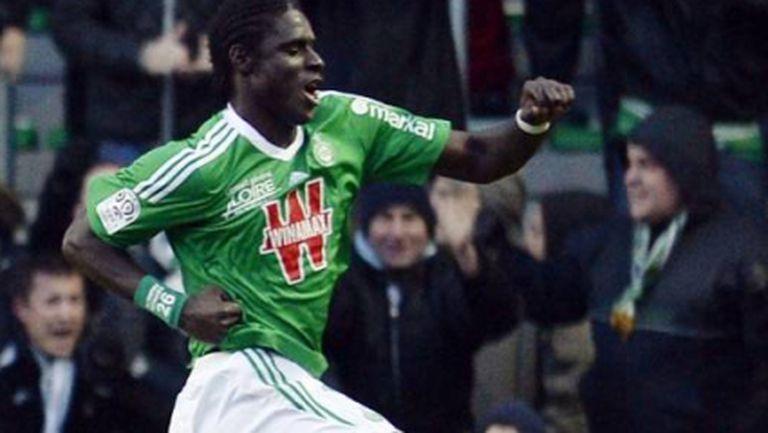 Три гола на централните защитници за победа на Сент Етиен (видео)