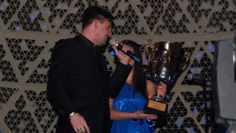 Бижутера купи титлата на Левски за 22 000 лева, а Гонзо лентата на Пелето (видео)