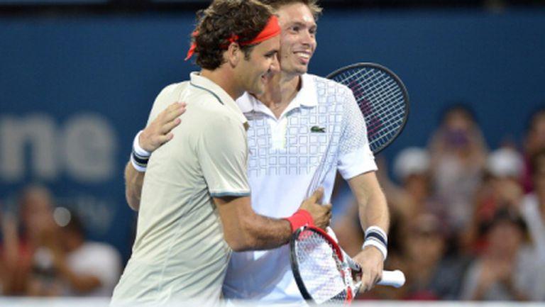Федерер започна сезона с нова ракета и победа на двойки